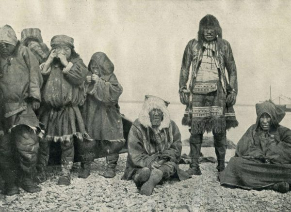 The Eskimo shamans, around 1931. (SASA Archive, 14197/3)